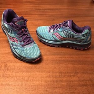 Saucony Guide 9 Running Shoes. Women's Size 8.